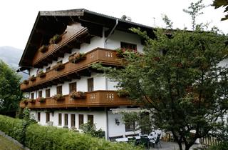 Austria, Zillertal, Uderns, Pension Traube