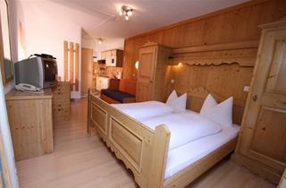 Austria, Pitztal, St. Leonhard im Pitztal, Apartments Edelweiss