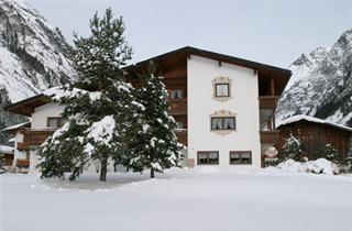 Austria, Pitztal, St. Leonhard im Pitztal, Hotel Brunnenkogel