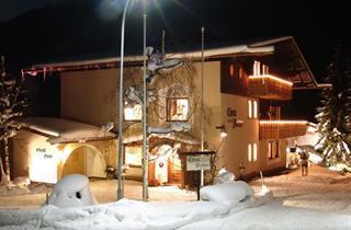 Austria, Arlberg, St. Anton am Arlberg, Apartments Chesa Platina