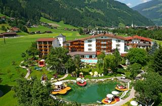 Austria, Zillertal, Zell am Ziller, Hotel Landgut Zapfenhof