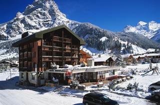 Switzerland, Kanderstegtal, Kandersteg, Hotel Blümlisalp