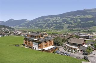 Austria, Zillertal, Fügen im Zillertal, Hotel Alpina
