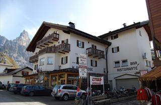 Italy, San Martino di Castrozza (Passo Rolle), Fiera di Primiero, Hotel Alpenrose