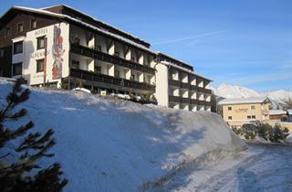 Austria, Arlberg, St. Anton am Arlberg, Hotel Alpenhof