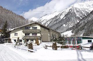 Austria, Oetztal - Soelden, Sölden, Apartments Schmiedhof