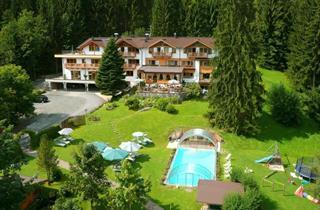 Austria, Kitzbuhel Alps, Kitzbühel, GARTENHOTEL ROSENHOF BEI KITZBU
