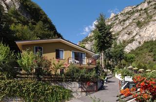 Italy, Lake Garda, Limone sul Garda, Apartment Residence Oasi