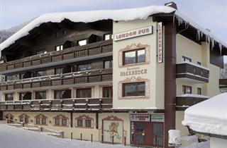 Austria, Kitzbuhel Alps, Kirchberg, Apartments London Pub