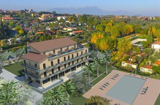 Italy, Lake Garda, Moniga del Garda, Hotel Villa Paradiso Suite