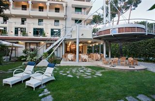 Italy, Tuscany, Forte dei Marmi, Hotel Acapulco
