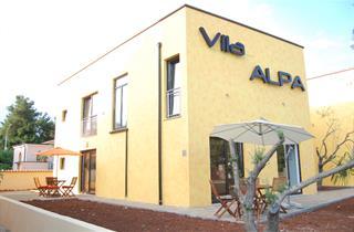 Croatia, Istria, Umag, Appartementhaus Vila Alpa