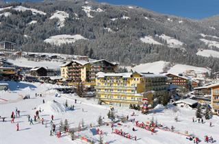 Austria, Zillertal, Fügen, Aktiv -und Wellnesshotel Kohlerhof