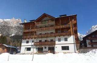 Italy, Cortina d'Ampezzo, San Vito di Cadore, Hotel Oasi