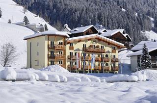 Austria, Defereggental Osttirol, Unterrotte, Macher´s Landhotel