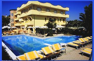 Italy, Central Adriatic Riviera, Martinsicuro, Hotel Rivadoro