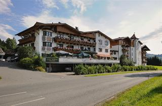 Austria, Kaiserwinkl, Kössen, Hotel Sonneck