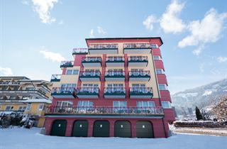 Austria, Zillertal, Fügen im Zillertal, Aktiv -und Wellnesshotel Kohlerhof