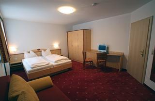 Austria, Moelltal, Mallnitz, Hotel-Pension Hubertus - Skipass