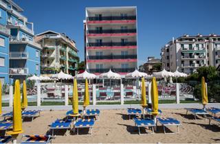 Italy, Northern Adriatic Riviera, Jesolo, Suite Hotel Baia del Mar