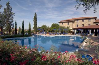 Italy, Umbria, Magione, Villa Paradiso Village