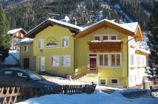 Austria, Moelltal, Flattach, Hotel Innerfraganter Wirt