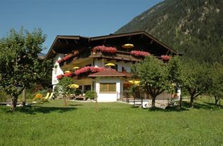Austria, Zillertal, Mayrhofen, Garni Almhof