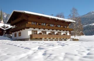 Austria, Alpbachtal, Alpbach, Hotel Andreas mit NebenRossstall
