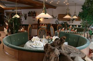 Austria, Alpbachtal, Reith im Alpbachtal, Hotel Der Kirchenwirt sup.