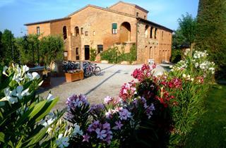 Italy, Tuscany, Montepulciano, Montepulciano Country Resort