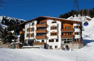 Austria, Arlberg, St. Anton am Arlberg, Apartments Tschol Martin