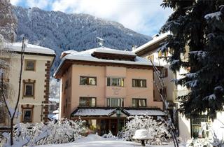 Italy, Val Gardena - Groeden, Ortisei, Apartments Tlusel