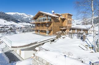Austria, Kitzbuhel Alps, Jochberg, Kitz Chalets Evian - Chloe