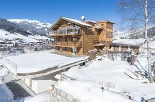 Austria, Kitzbuhel Alps, Jochberg, Kitz Chalets Evian - Hermann