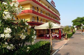 Italy, Northern Adriatic Riviera, Eraclea Mare, Hotel Corallo