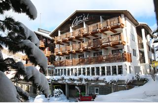 Switzerland, Saas Fee – Saastal, Saas Fee, Panorama Kidshotel Alphubel
