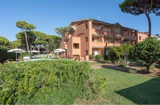 Italy, Tuscany, Grosseto, Ricci Beach & Parkhotel