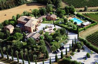 Italy, Tuscany, Montepulciano, Country Resort