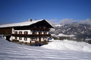 Austria, Kaiserwinkl, Kössen, Apartments Bauernhof Zasserl